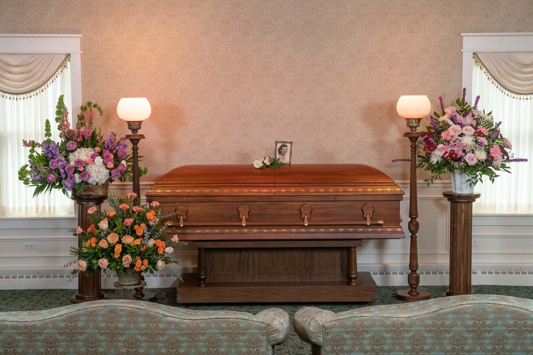 Welcome to the Friedrich-Jones Funeral Home